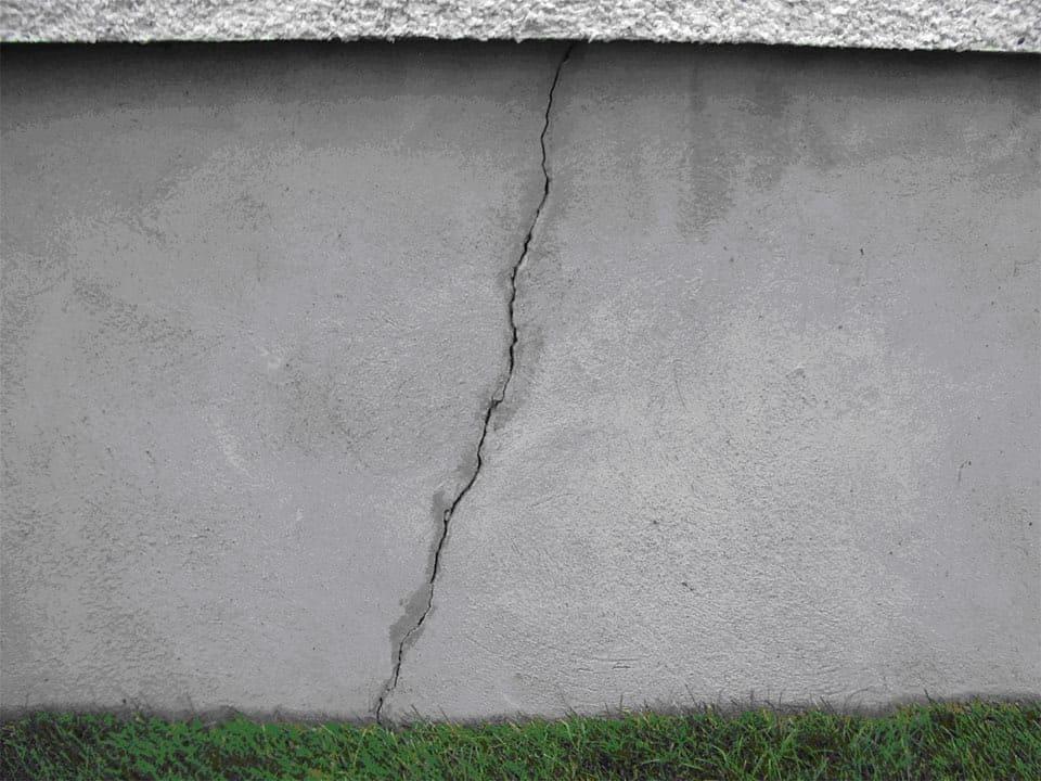 Réparation de fissures de fondation, à partir de l'intérieur ou de l'extérieur ?